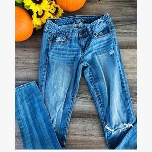 American Eagle skinny light wash jeans 4